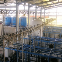 2 - Dam Water Demineralization Plant with clarification, multi-media filtration, cartridge micro-filtration, ultra-filtration, two passes of reverse osmosis and polishing. Flow: 240-480 m3/h
